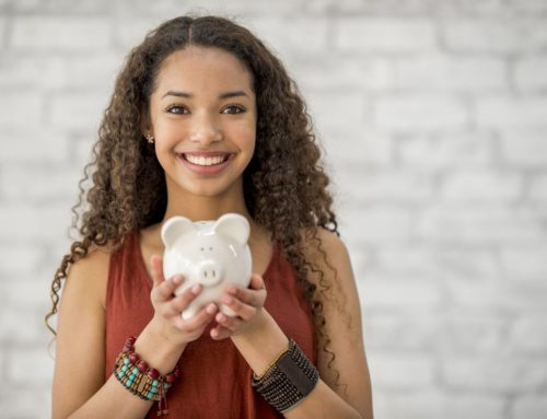 Tips For Parents To Teach Their Teens About Money and Budgeting